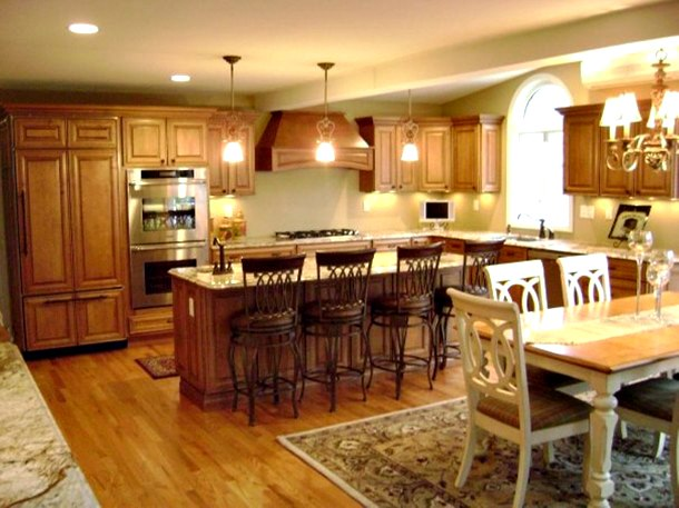 bump-out-island-custom-home-kitchen-in-ct-portfolio-01-610x457